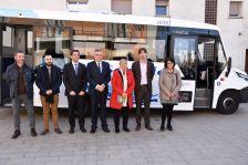 Foto família presentació línia bus